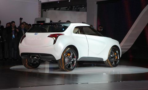 Tire, Wheel, Motor vehicle, Automotive design, Vehicle, Event, Car, Automotive tire, Rim, Automotive lighting,