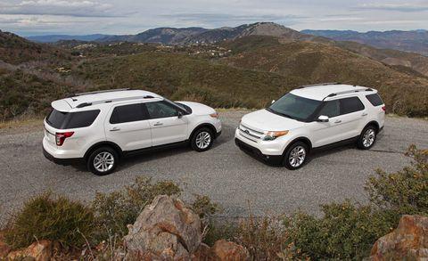 Tire, Wheel, Automotive tire, Vehicle, Land vehicle, Car, Mountainous landforms, Rim, Hill, Fender,