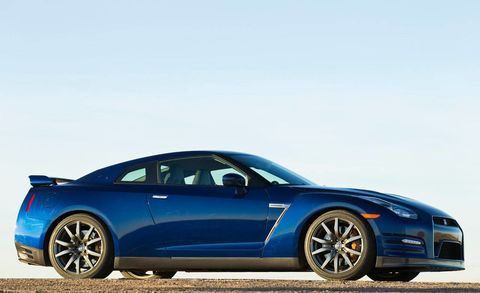 Tire, Wheel, Automotive design, Blue, Vehicle, Land vehicle, Alloy wheel, Rim, Car, Hood,