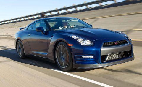 Tire, Wheel, Automotive design, Vehicle, Land vehicle, Rim, Automotive tire, Car, Hood, Performance car,