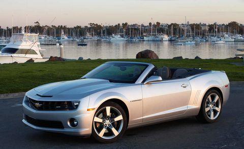 Tire, Wheel, Automotive design, Vehicle, Hood, Watercraft, Car, Headlamp, Rim, Vehicle door,
