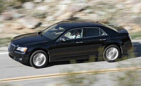 Tire, Wheel, Automotive design, Vehicle, Automotive tire, Land vehicle, Car, Vehicle door, Rim, Automotive mirror,