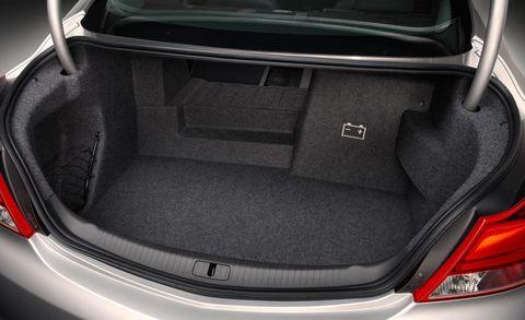 Trunk, Automotive tail & brake light, Automotive design, Automotive exterior, Car, Automotive lighting, Vehicle door, Personal luxury car, Luxury vehicle, Full-size car,