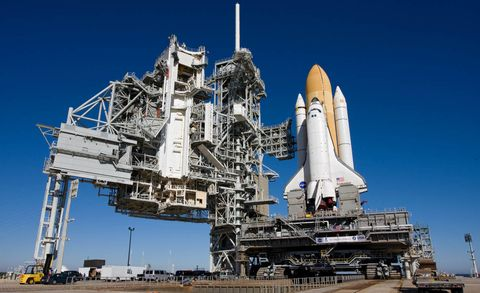 space shuttle, Rocket, Space, Spacecraft, Aerospace engineering, Spaceplane, Engineering, Machine, Industry, Missile,
