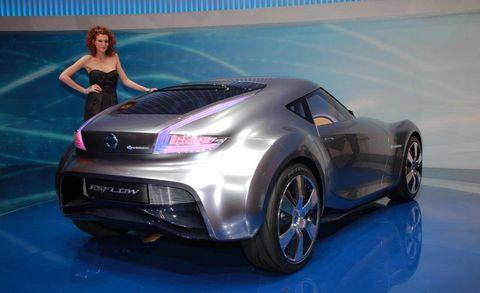 Automotive design, Event, Car, Automotive lighting, Fender, Alloy wheel, Beauty, Personal luxury car, Rim, Automotive wheel system,