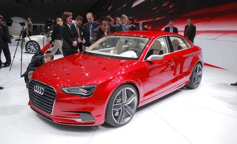 Tire, Wheel, Automotive design, Vehicle, Land vehicle, Event, Car, Grille, Personal luxury car, Alloy wheel,