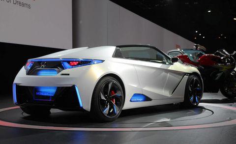 Wheel, Tire, Automotive design, Mode of transport, Vehicle, Event, Car, Fender, Automotive lighting, Alloy wheel,