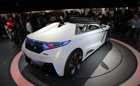 Mode of transport, Automotive design, Vehicle, Event, Land vehicle, Car, Auto show, Exhibition, Personal luxury car, Sports car,