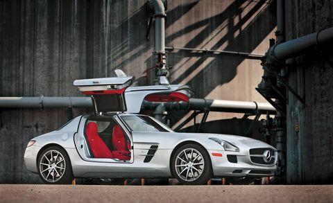 Tire, Wheel, Mode of transport, Automotive design, Vehicle, Transport, Automotive lighting, Rim, Car, Hood,