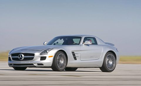 Tire, Wheel, Mode of transport, Automotive design, Vehicle, Transport, Automotive tire, Land vehicle, Hood, Automotive mirror,