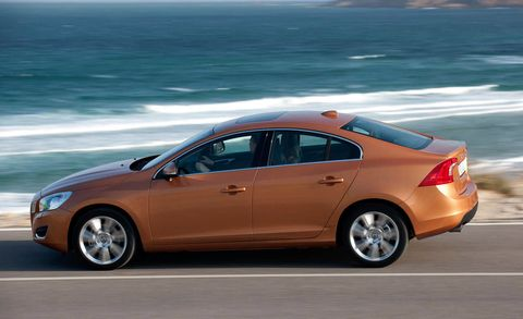 Tire, Wheel, Mode of transport, Vehicle, Land vehicle, Automotive design, Car, Coastal and oceanic landforms, Alloy wheel, Full-size car,
