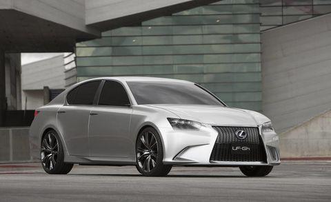 Wheel, Automotive design, Vehicle, Land vehicle, Car, Rim, Personal luxury car, Grille, Fender, Alloy wheel,