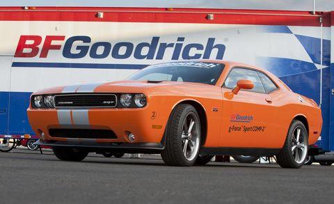 Tire, Wheel, Motor vehicle, Automotive tire, Automotive design, Vehicle, Transport, Hood, Headlamp, Performance car,