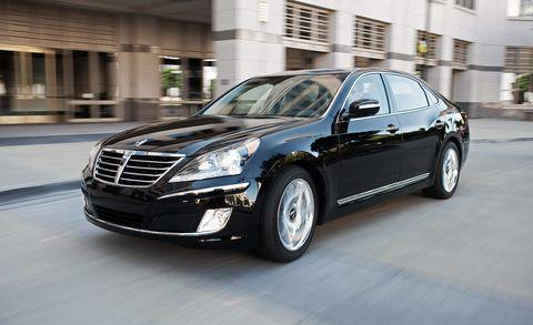 Tire, Wheel, Automotive design, Mode of transport, Vehicle, Land vehicle, Car, Automotive lighting, Grille, Rim,