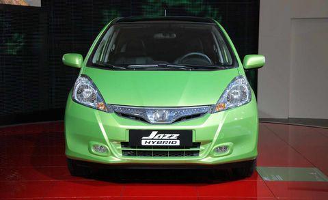 Motor vehicle, Mode of transport, Automotive design, Product, Transport, Glass, Headlamp, Vehicle, Automotive mirror, Automotive exterior,