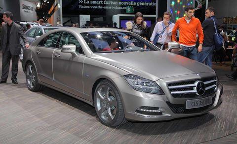 Wheel, Tire, Automotive design, Mode of transport, Vehicle, Land vehicle, Event, Car, Mercedes-benz, Personal luxury car,
