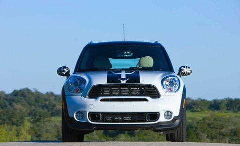 Automotive design, Vehicle, Hood, Automotive mirror, Grille, Headlamp, Car, Vehicle door, Automotive exterior, Automotive lighting,