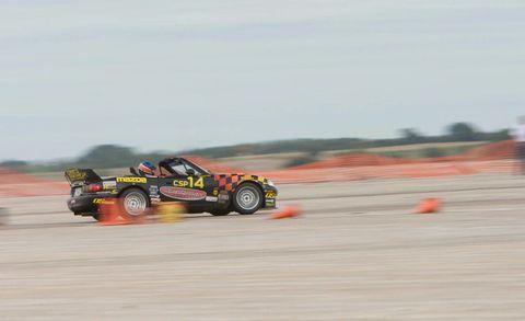 Tire, Wheel, Automotive tire, Automotive design, Vehicle, Motorsport, Race track, Racing, Auto part, Auto racing,
