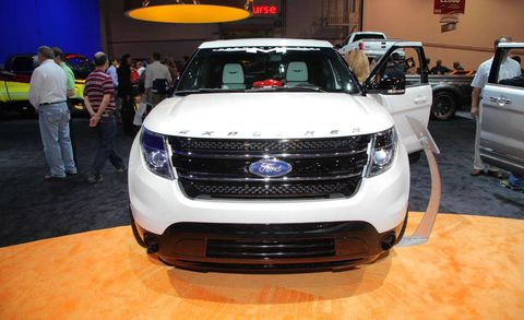 Motor vehicle, Automotive design, Land vehicle, Vehicle, Event, Car, Grille, Automotive lighting, Auto show, Exhibition,