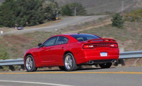 Tire, Road, Wheel, Automotive design, Automotive tire, Vehicle, Automotive tail & brake light, Infrastructure, Automotive lighting, Rim,