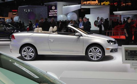 Tire, Wheel, Automotive design, Vehicle, Land vehicle, Car, Alloy wheel, Personal luxury car, Vehicle door, Auto show,