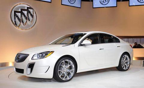 Tire, Motor vehicle, Wheel, Automotive design, Vehicle, Automotive lighting, Rim, Headlamp, Glass, Alloy wheel,