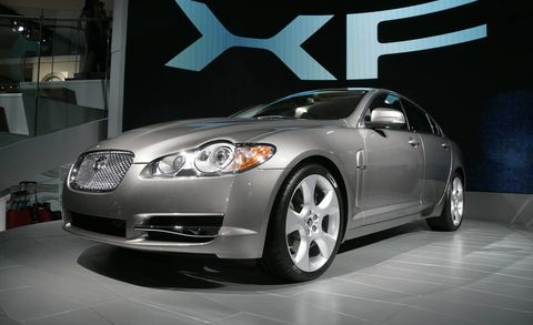 Automotive design, Vehicle, Automotive lighting, Headlamp, Car, Glass, Rim, Alloy wheel, Personal luxury car, Fender,