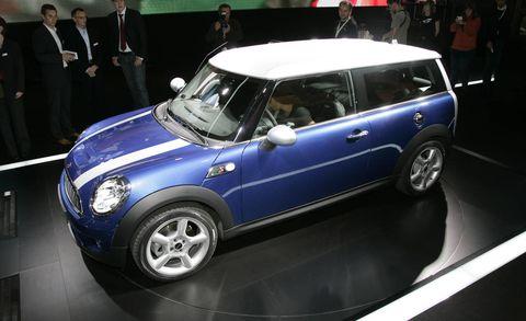 Automotive design, Vehicle, Land vehicle, Car, Vehicle door, Alloy wheel, Rim, Hatchback, Suit, Mini cooper,