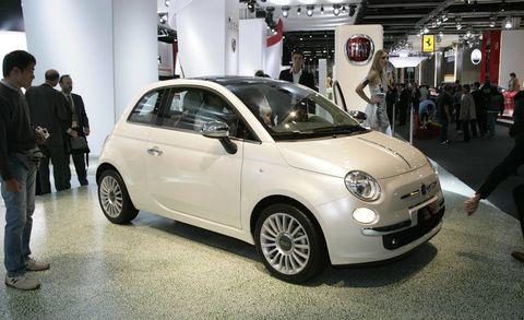 Motor vehicle, Wheel, Tire, Automotive design, Vehicle, Land vehicle, Car, Alloy wheel, Automotive wheel system, Rim,