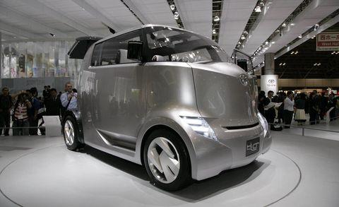 Motor vehicle, Wheel, Automotive design, Vehicle, Land vehicle, Automotive mirror, Car, Automotive exterior, Automotive tire, Vehicle door,