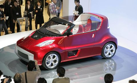 Tire, Wheel, Motor vehicle, Automotive design, Mode of transport, Product, Vehicle, Automotive tire, Event, Automotive wheel system,