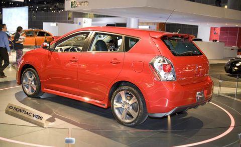 Wheel, Motor vehicle, Tire, Automotive design, Vehicle, Land vehicle, Car, Automotive wheel system, Automotive tire, Alloy wheel,