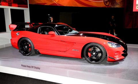 Tire, Wheel, Automotive design, Vehicle, Land vehicle, Performance car, Automotive lighting, Car, Alloy wheel, Rim,