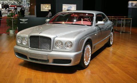 Vehicle, Land vehicle, Grille, Car, Automotive parking light, Floor, Personal luxury car, Fender, Hood, Luxury vehicle,