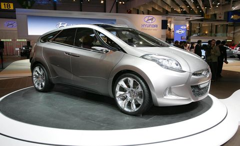 Motor vehicle, Wheel, Tire, Mode of transport, Automotive design, Vehicle, Land vehicle, Car, Automotive wheel system, Auto show,