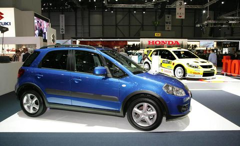 Tire, Wheel, Motor vehicle, Automotive design, Vehicle, Land vehicle, Car, Rim, Automotive tire, Alloy wheel,