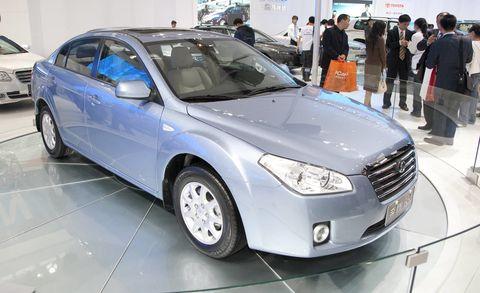 Tire, Wheel, Mode of transport, Automotive design, Vehicle, Land vehicle, Event, Grille, Car, Automotive tire,