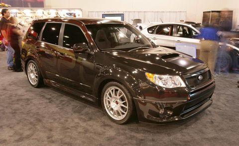 Tire, Wheel, Vehicle, Automotive design, Automotive tire, Land vehicle, Automotive lighting, Glass, Rim, Car,