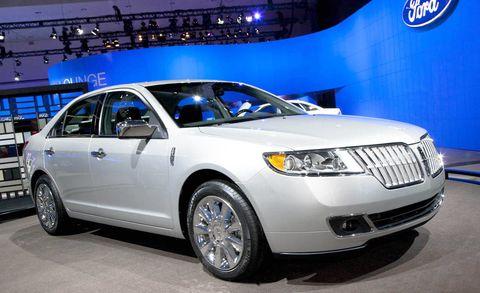 Tire, Wheel, Motor vehicle, Automotive tire, Product, Automotive design, Vehicle, Land vehicle, Automotive lighting, Headlamp,