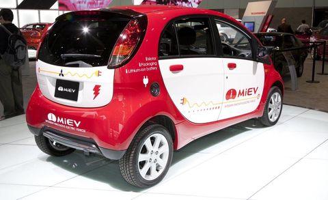 Motor vehicle, Tire, Wheel, Automotive design, Vehicle, Land vehicle, Automotive tire, Car, Auto show, Exhibition,