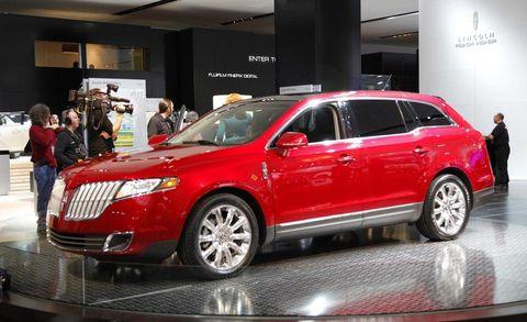 Tire, Automotive design, Vehicle, Land vehicle, Car, Technology, Luxury vehicle, Full-size car, Alloy wheel, Sport utility vehicle,