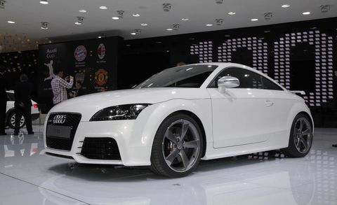 Tire, Wheel, Automotive design, Vehicle, Event, Land vehicle, Car, Rim, Alloy wheel, Personal luxury car,