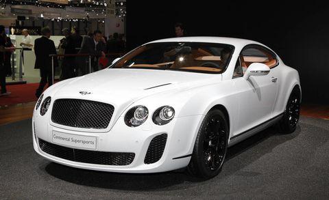 Automotive design, Vehicle, Land vehicle, Grille, Car, Fender, Bentley, Headlamp, Personal luxury car, Automotive lighting,