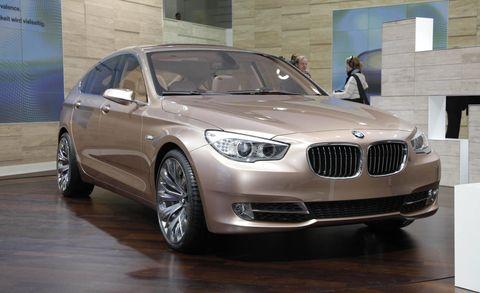 Tire, Wheel, Automotive design, Vehicle, Automotive exterior, Alloy wheel, Car, Grille, Rim, Hood,