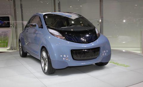 Motor vehicle, Mode of transport, Automotive design, Vehicle, Glass, Vehicle door, Automotive exterior, Car, Automotive mirror, Automotive lighting,