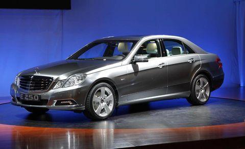 Tire, Wheel, Mode of transport, Automotive design, Vehicle, Land vehicle, Car, Alloy wheel, Rim, Spoke,
