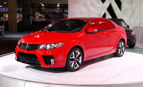 Wheel, Tire, Automotive design, Vehicle, Land vehicle, Event, Car, Alloy wheel, Auto show, Automotive lighting,