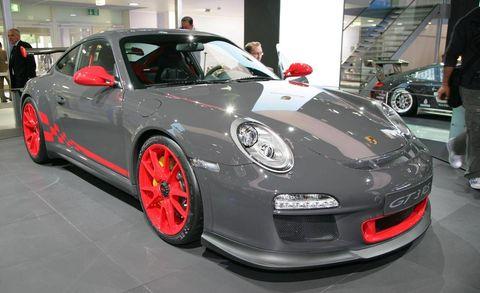 Wheel, Tire, Automotive design, Vehicle, Land vehicle, Car, Rim, Alloy wheel, Performance car, Fender,