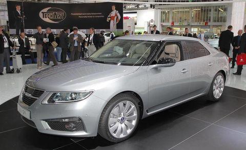 Tire, Wheel, Motor vehicle, Mode of transport, Automotive design, Vehicle, Land vehicle, Event, Product, Car,