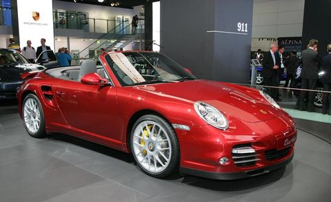 Tire, Wheel, Automotive design, Vehicle, Land vehicle, Car, Performance car, Alloy wheel, Fender, Sports car,